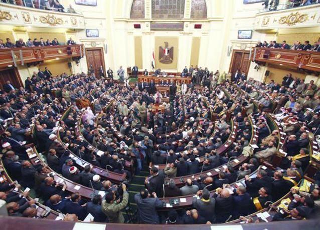 مشروع قانون الانتخابات البرلمانية المصرية يلزم ترشيح امرأة