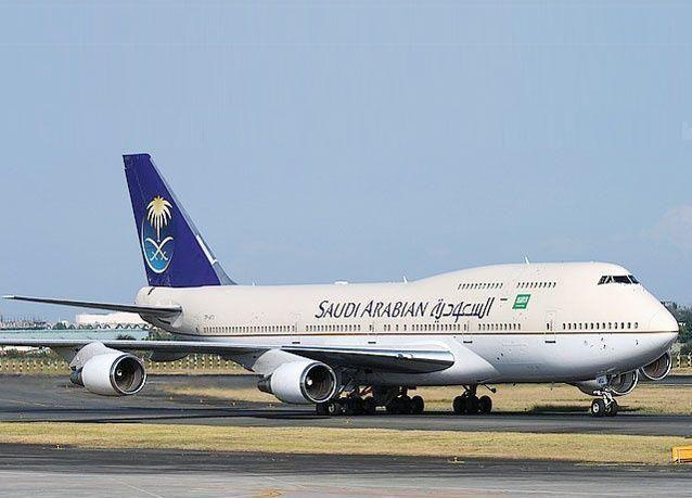 """الخطوط السعودية : طائراتنا """"بوينغ 787 دريم لاينر"""" سليمة"""