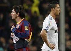 ميسي يقول بأن بامكان رونالدو الفوز بالكرة الذهبية
