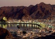 سلطنة عمان تدرس مزيدا من القيود على توظيف الأجانب