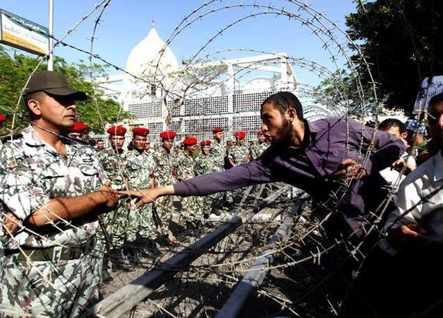 بالصور: آلاف المصريين يتظاهرون لإسقاط حكم العسكر