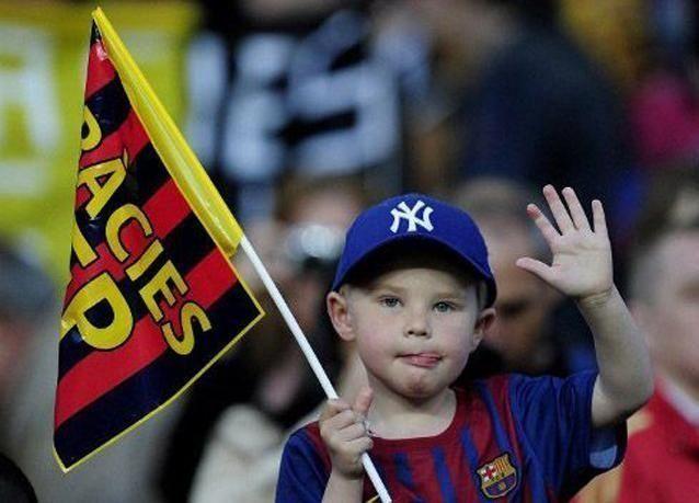 برشلونة الى طنجة للقاء الرجاء المغربي