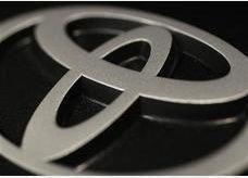 تويوتا تسحب 778 الف سيارة في اميركا بسبب عطل تقني