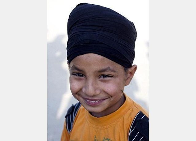 الاسترزاق بزعم أقوى طفل في العالم ... صبي هندي في العاشرة من عمره