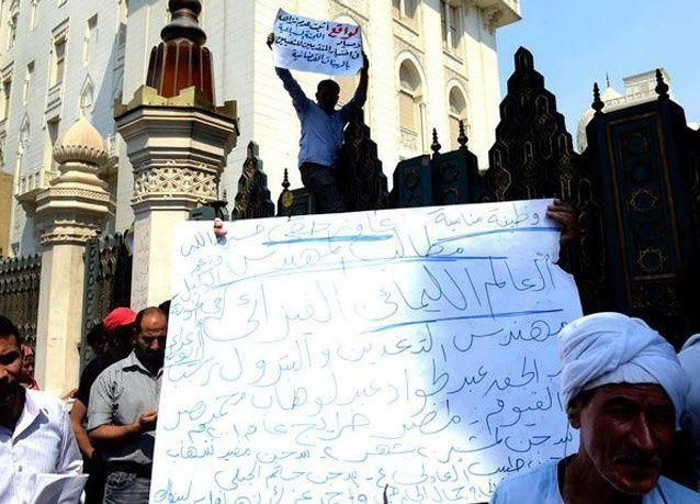 بالصور: المصريون يحملون الحلول إلى الرئيس مرسي