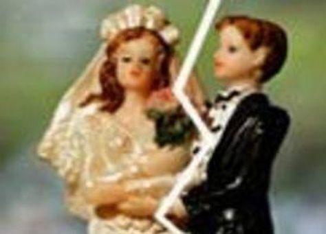 رفض الزواج من خطيبته في ليلة عرسهما