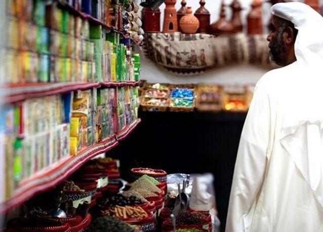 هل يدفع السعوديون في النهاية رسوم العمالة الوافدة؟