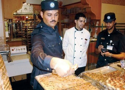 رقابة صارمة على المنشآت الغذائية في ابو ظبي