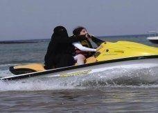 أول شركة سياحية للملتحين والمنتقبات في مصر