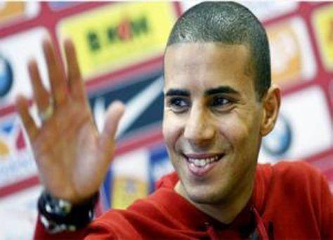 زيدان يوقع عقدا رسميا مع بني ياس الاماراتي