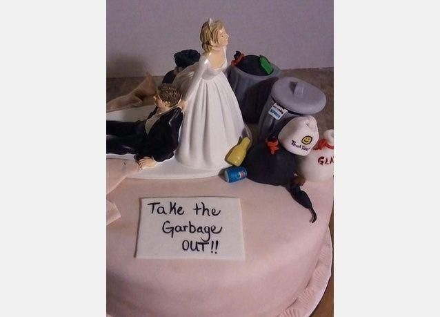 صور مميزة لأغرب كعكات الطلاق