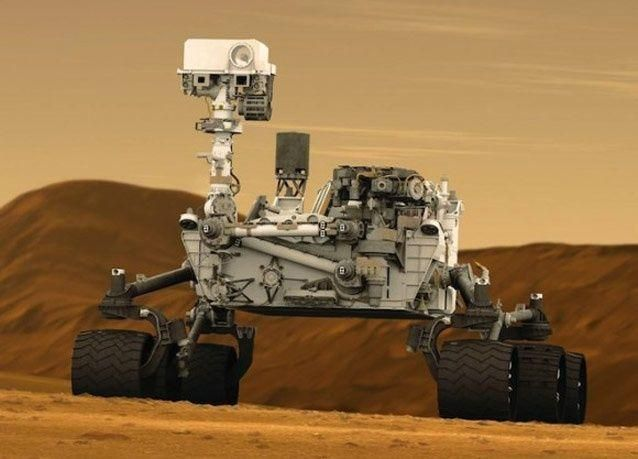 """بالصور: المسبار """"كيريوسيتي"""" يحط على أرض المريخ وناسا تتلقى الصور الأولى"""