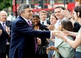 تقدم حزب العمال على حزب المحافظين في الانتخابات العامة البريطانية