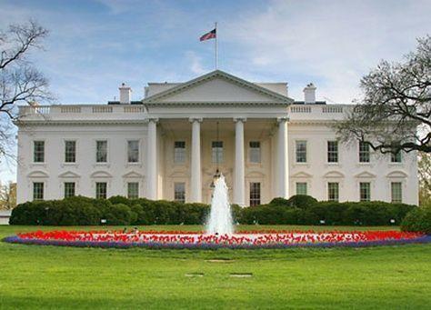 البيت الأبيض يلمح الى امكانية استعمال احتياطي النفط الاستراتيجي