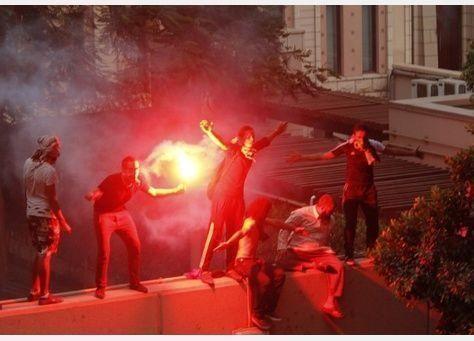 السفارة الأمريكية بالقاهرة تتراجع وتغلق التأشيرات بعد استئنافها العمل