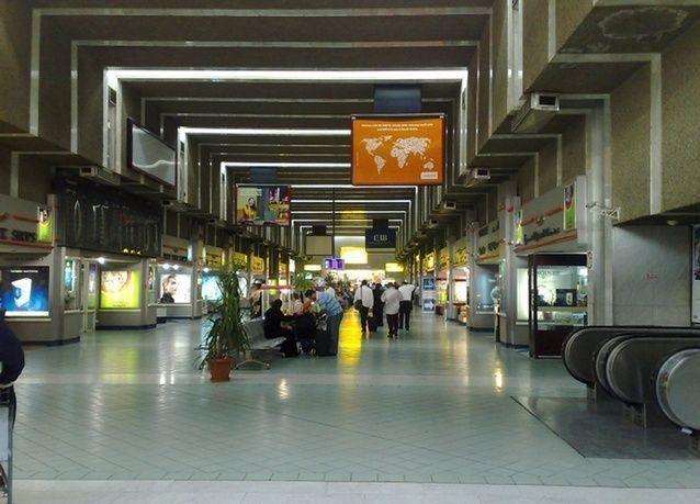 حركة الركاب بمطار القاهرة تنخفض إلى النصف