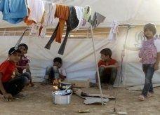 وفيات بين الأطفال وبرد قارس في مخيمات اللاجئين السوريين