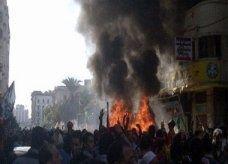 """اقتحام مقر """"الحرية والعدالة"""" وإحراقه بالإسكندرية"""