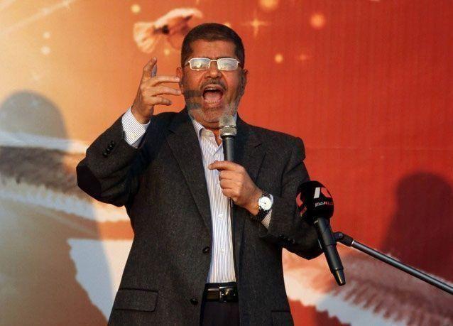 مرسي يعطل زيادة الضرائب لإجراء حوار مجتمعي