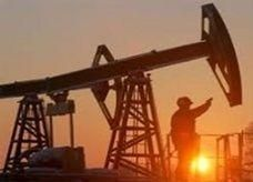 هبوط النفط مع ترقب أنباء عن برنامج التحفيز الأمريكي