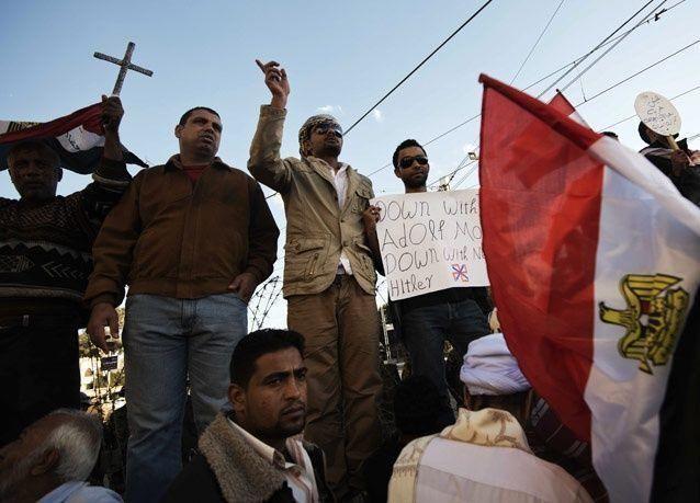 معارض مصري بارز: مرسي يعمق الأزمة