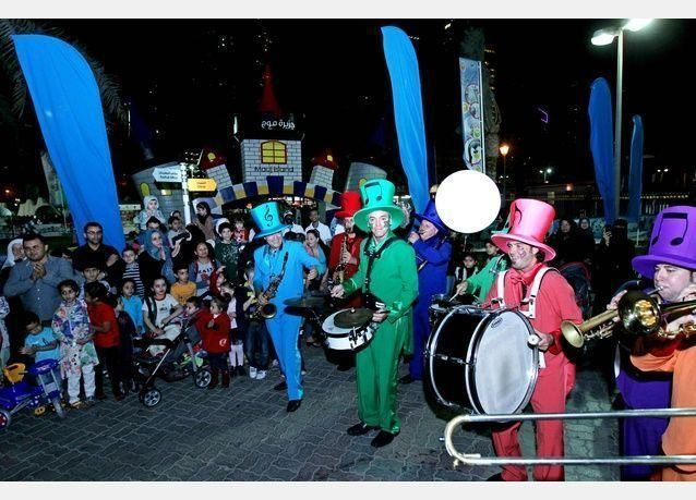 مهرجان الشارقة المائي يستقطب 53 ألف زائر