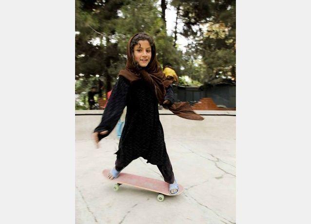 مدرسة خاصة لتعليم الفتيات الأفغانيات التزلج على اللوح.. بالصور