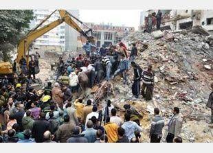 قتلى و8 مصابين في انهيار عقار بالاسكندرية