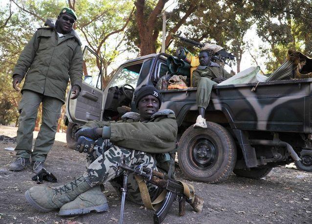 بالصور : احتدام القتال بين القوات الفرنسية والإسلاميين في مالي