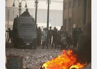 الرئيس المصري يعلن الطواريء في ثلاث محافظات مضطربة