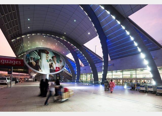 27,1 مليون مسافر عبر مطار دبي خلال 5 أشهر بنمو 17%