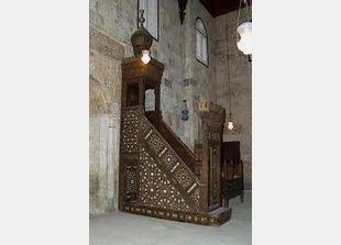 سرقة منبر مسجد قايتباي الأثري في القاهرة