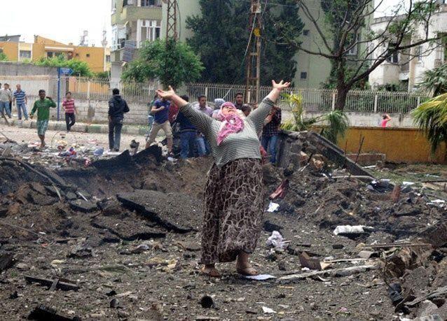بالصور: ثلاثة انفجارات تهز بلدة الريحانية على الحدود السورية - التركية