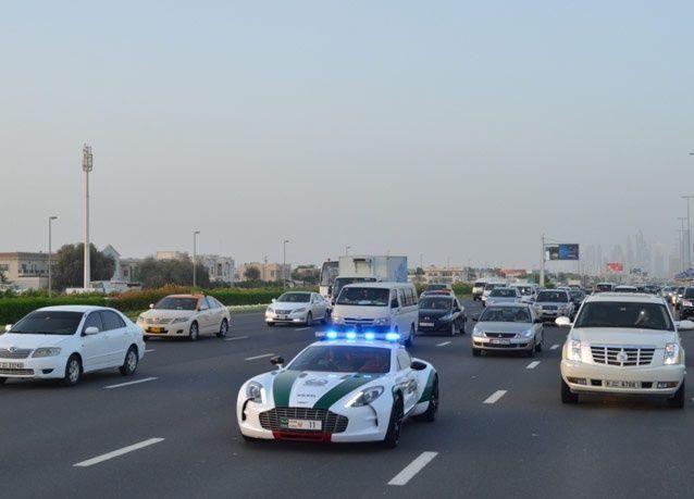 شرطة دبي تفوض أفراداً بتصوير المخالفات المرورية لملاحقة مرتكبيها
