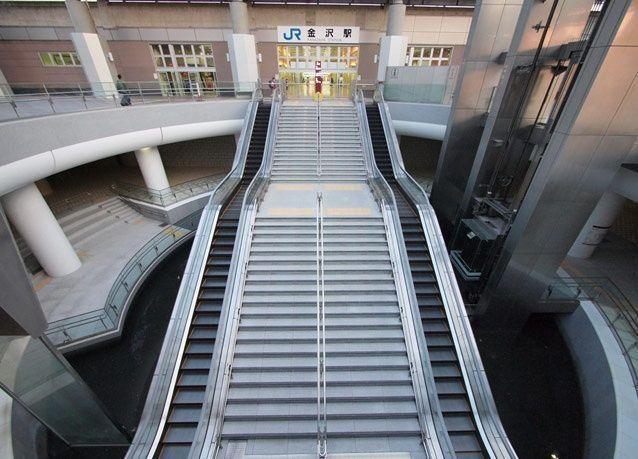 بالصور: أروع السلالم المتحركة