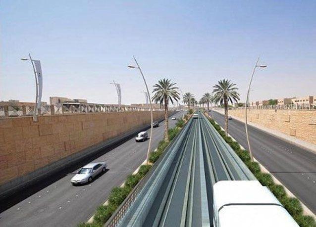 بالصور: مواقف ومحطات قطار الرياض
