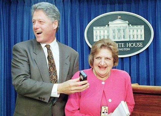 بالصور:  رحيل الصحافية الأمريكية هيلين توماس التي أربكت رؤوساء أمريكا