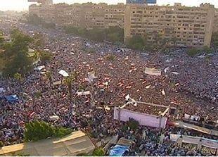 مصادر مصرية تتوقع بدء التحرك ضد اعتصامين مؤيدين لمرسي فجر غد