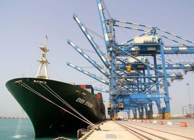 أرقام قياسية لميناء خليفة وميناء زايد، ومناولة مليون و واربعة الاف حاوية