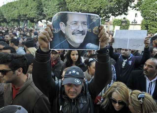 """الداخلية التونسية: بلعيد اغتيل لانتقاده مشروع """"المحجبات الصغيرات"""" لداعية كويتي"""