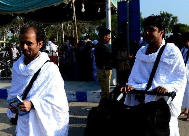 بالصور: انطلاق أول قافلة حجاج باكستانيين إلى المملكة العربية السعودية