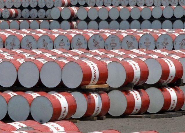 النفط الأمريكي يتراجع مع انحسار المخاوف بشأن سوريا