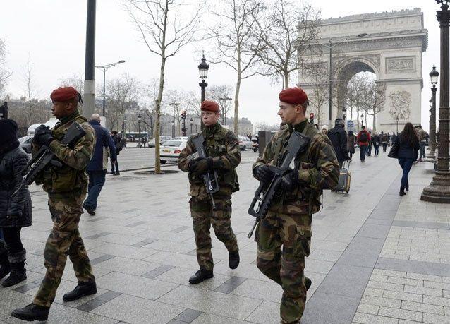 57 % من الفرنسيين يريدون تدخل الجيش لحفظ الأمن