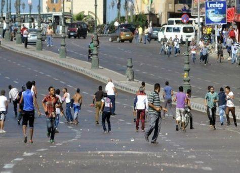 مقتل شرطي بسيناء واشتباكات في الاسكندرية بمصر