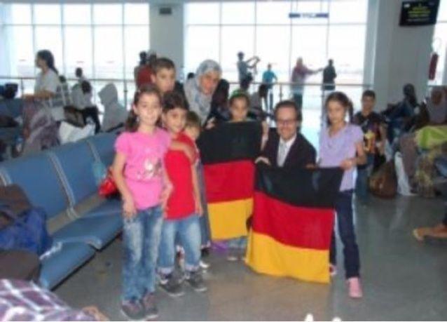 مقدمة برامج تلفزيونية تثير جدلا في المانيا بدعوتها للترحيب باللاجئين