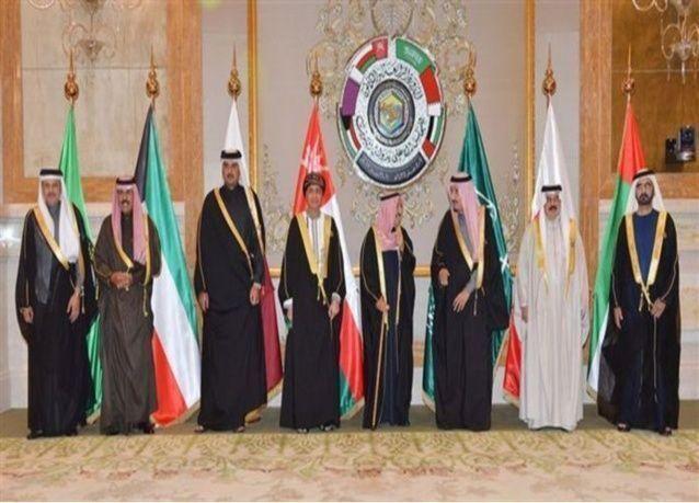 السعودية والإمارات والبحرين تسحب سفراءها من قطر بسبب خلاف أمني