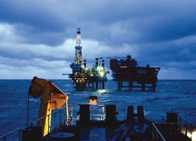 النفط الخام الأمريكي يهبط إلى أدنى مستوى له منذ 5 سنوات