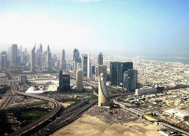 دبي: إغلاق طريق الشيخ زايد وتحويل طرق أخرى خلال سباق الدراجات اليوم