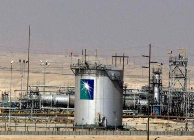 أرامكو السعودية تخفض سعر الخام العربي الخفيف لآسيا في مارس