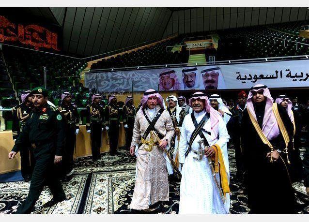 بالصور: الأمير تشارلز يشارك في فعاليات مهرجان الجنادرية